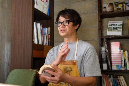 店主の山本圭二さん。現在はコロナ禍で中止しているが、年に数回、尾道でカレーイベントも開催している